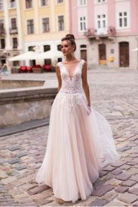 Ivana Robe de mariée pontarlier doubs 25 collection L 11