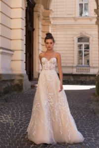 Ivana Robe de mariée pontarlier doubs 25 collection L 2