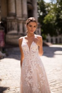 Ivana Robe de mariée pontarlier doubs 25 collection L 8