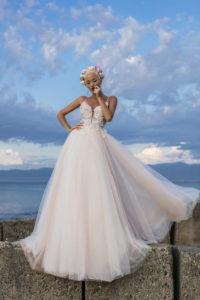 Ivana robes de mariees pontarlier collection fragrant dream 17